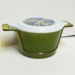 Green Pyrex 1 at With Grape Lid and Holder